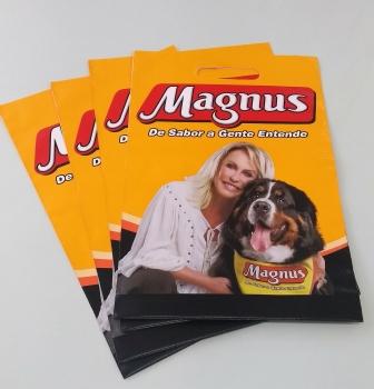 Canguru Plásticos promove sustentabilidade e economia para Magnus com sacola reciclada